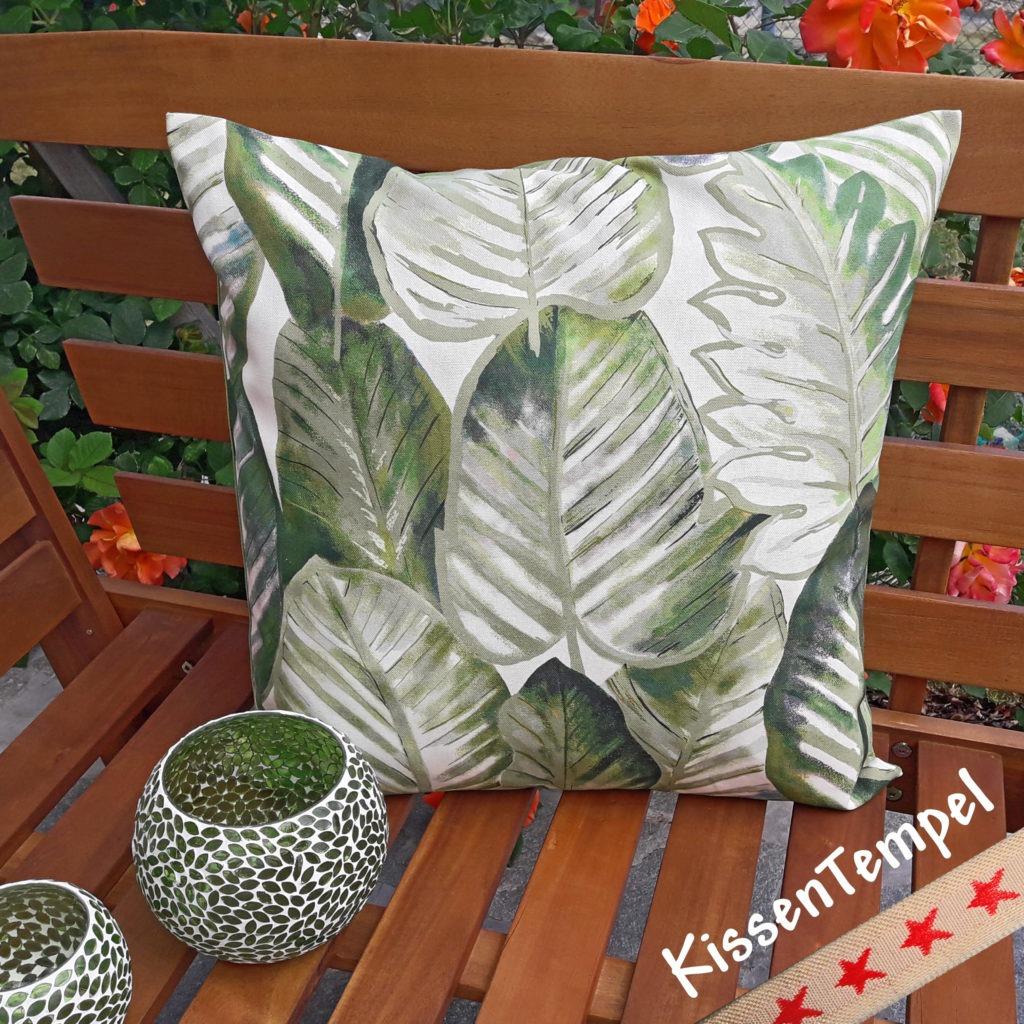 Kissen Aloha Motiv Dschungel Jungle Blätter Botanik grün grau weiss creme