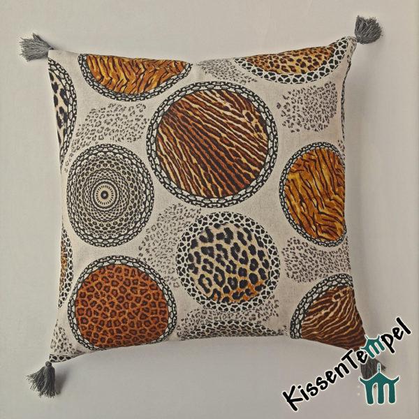 Animalprint Kissen mit Quasten >Mandala Africa< braun schwarz beige grau, asiatische Mandalas & Tiermuster Leopard und Tiger