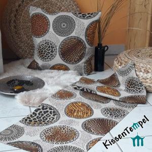 Animalprint Tischläufer >Mandala Africa< Tischdeko, Africa meets Asia, braun schwarz beige grau , Tierdruck, Animal Print, Leopard Tiger