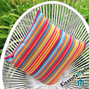 Outdoor Kissen >Caribe< UV-resistent, bunte Streifen in rot orange gelb grün blau türkis petrol pink violett