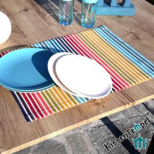 Outdoor Tischset >Rainbow< UV-beständig, wasser- und schmutzabweisend, Streifen in Regenbogenfarben, für Terrasse / Balkon / Camping