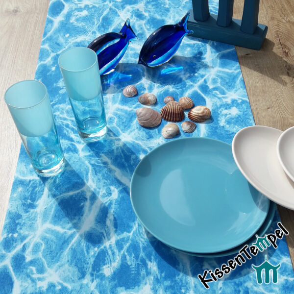 Maritimer Tischläufer Mitteldecke >Blue Water< türkis blaues schimmerndes Wasser / Meer / Pool